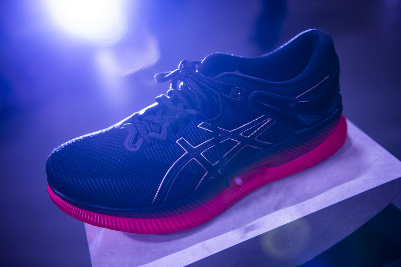 chaussures-course-a-pied-asics-metaride-6