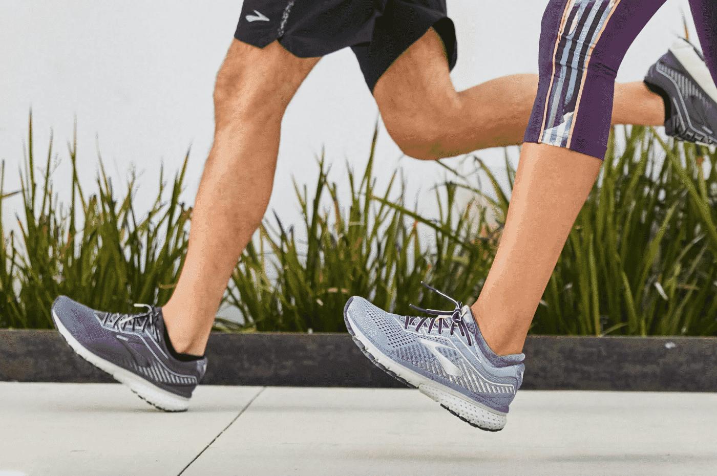 chaussures-brooks-ghost-12-runpack-1
