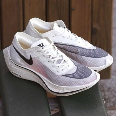 nike-zoomx-vaporfly-next%-blanches-chaussures-running-runpack-5