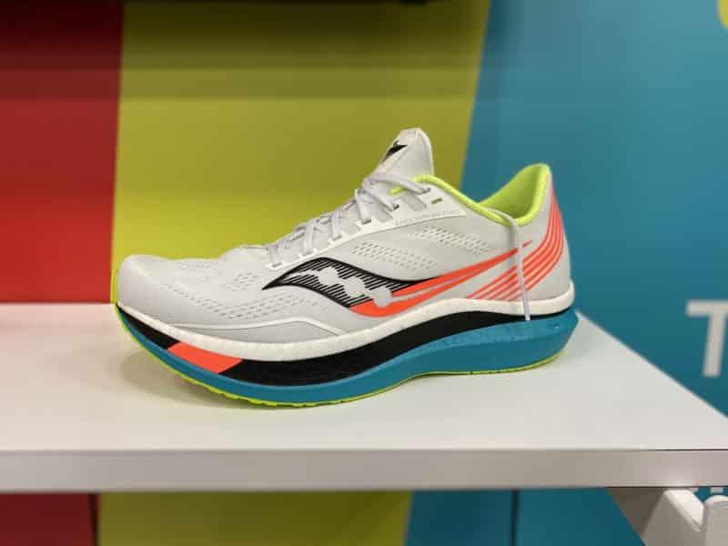 saucony-endorphin-pro-chaussures-running-runpack