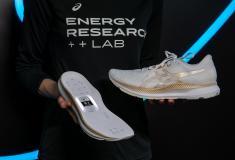 Image de l'article ASICS se lance dans le développement de chaussures connectées