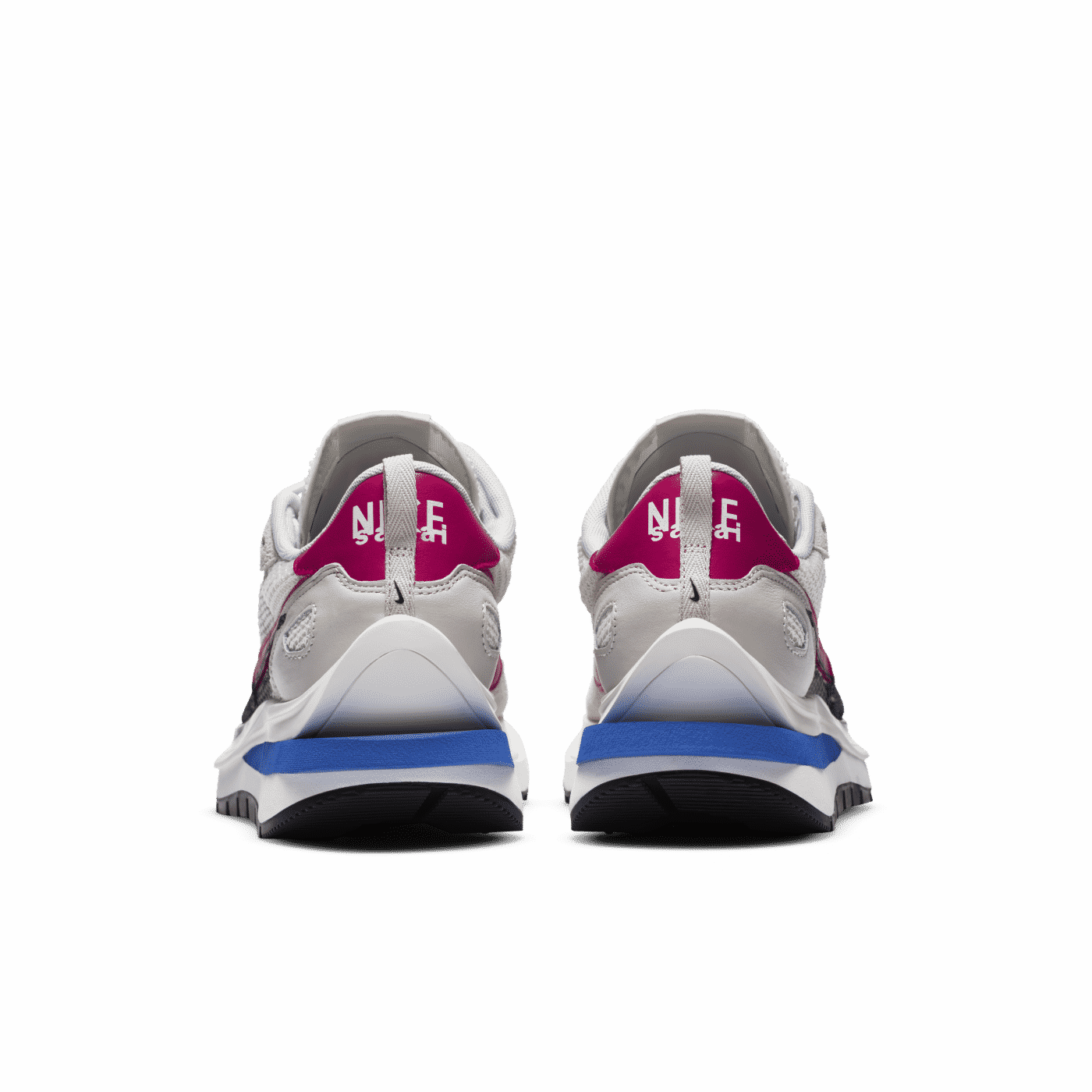 Nike_sacai_Vaporwaffle_beige_1