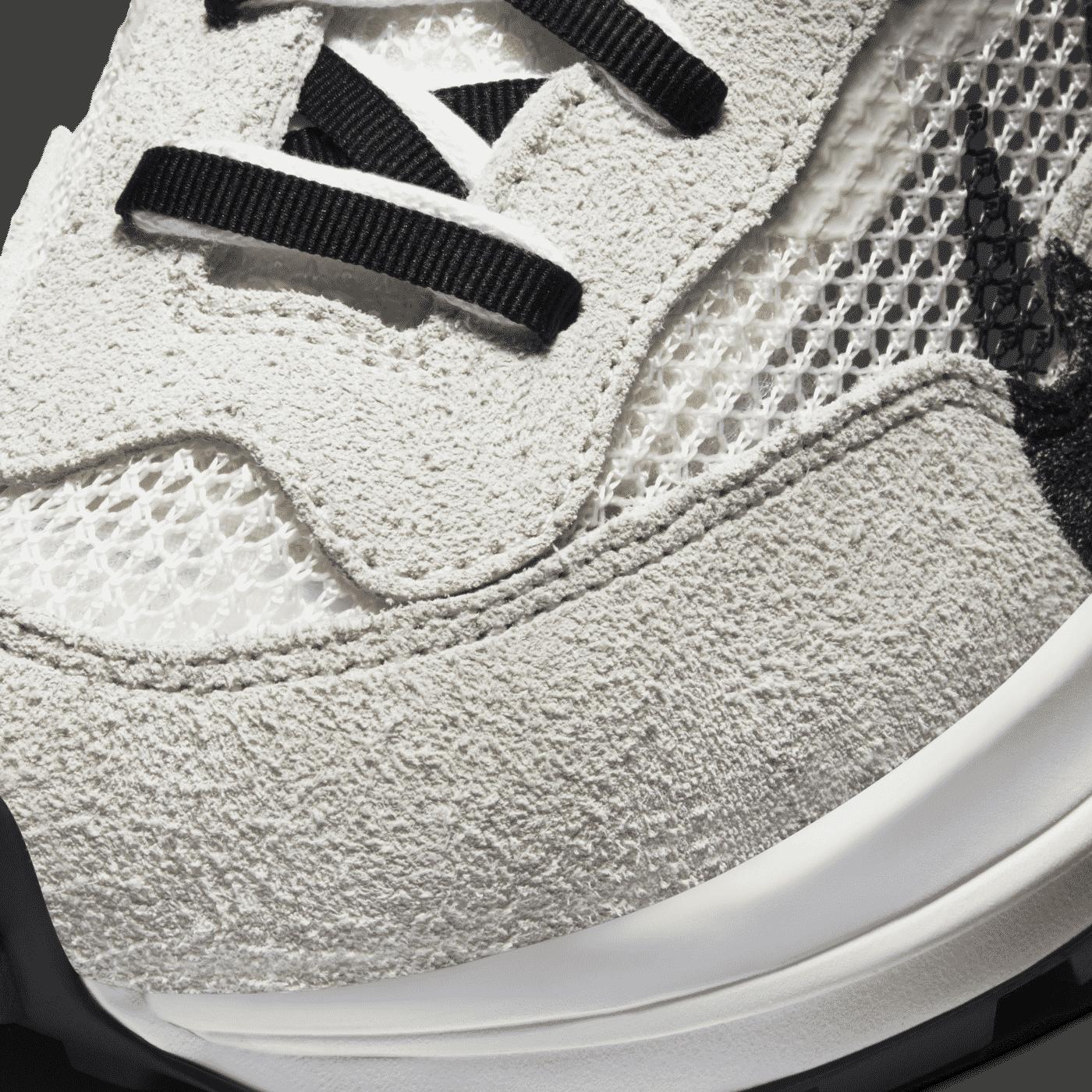 Nike_sacai_Vaporwaffle_beige_6