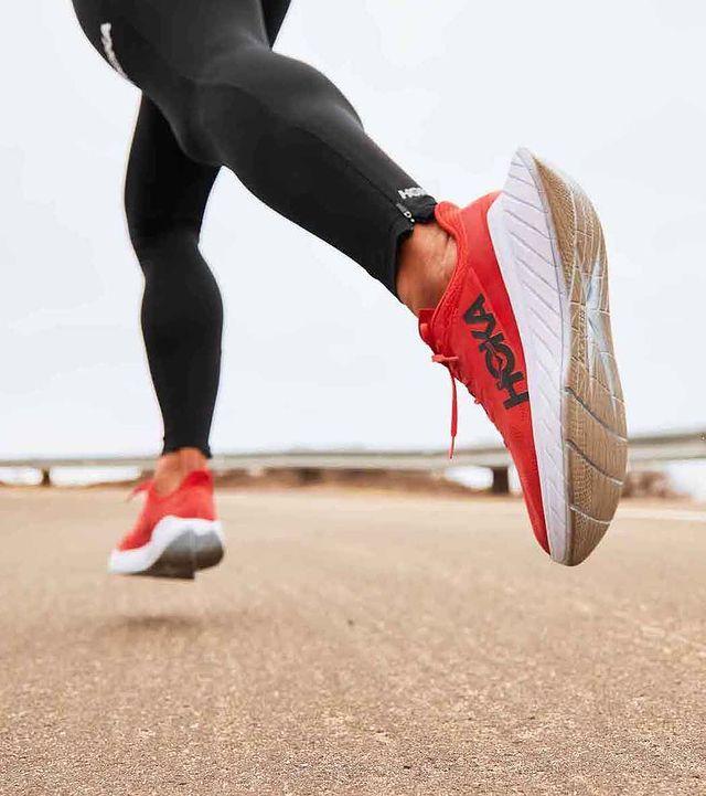 chaussure-de-running-carbon-x-2-hoka-one-one-runpack-3