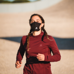 Salomon lance deux masques respirants pour courir