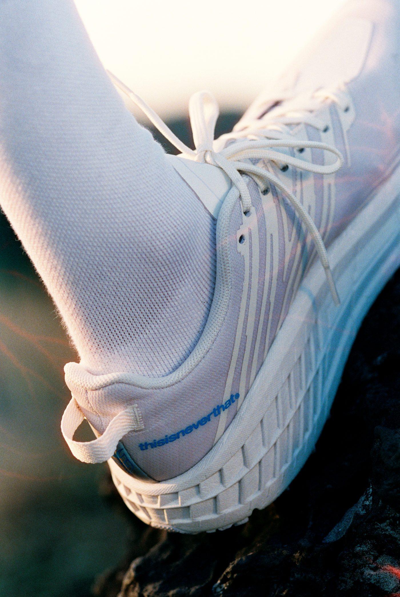 hoka-thisisneverthat-speedhoat-4-trail-running-runpack-7