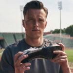 Nouveau record du monde du 400m haies pour Karsten Warholm!